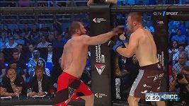 Viktor Pešta vs. Alexandr Jemeljaněnko, bitva v MMA