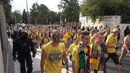 Jak fanoušci Opavy pochodovali na Letnou