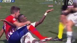 Hvězdičku Realu kousli během městského derby