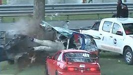 nehoda na závodním okruhu