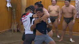 Závodníci MotoGP si vyzkoušeli sumo