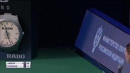 Kočka zaběhla na kurt v Moskvě při utkání Sloane Stephensové a Ons Džabúrové