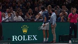 Novak Djokovič pomohl fanouškovi