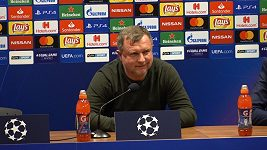 Džeko patří ke klíčovým hráčům, kdežto Schick se snaží být klíčovým hráčem, řekl Pavel Vrba..