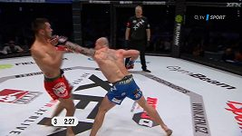 Machmud Muradov vs. Grzegorz Siwy. Když rozhodne koleno 10 sekund před koncem.