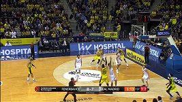Jan Veselý v utkání Fenerbahce - Real