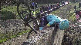 závodní karambol na kole