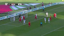 Vlastní gól brankáře v utkání Kyrgyzstán - Čína (1:2)