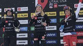Selina Jörgová a Dmitrij Loginov ovládli obří slalom ve snowboardu na MS