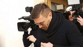 Tomáš Řepka u soudu v reportáži webu Seznam Zprávy (19. 2. 2019)