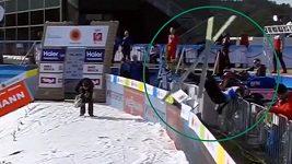 Norský skokan nezvládl dojezd