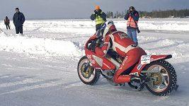 Rekordní jízda motocyklového závodníka Pavla Kubery