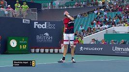 Neuvěřitelný omyl tenisového sudího, hvězda krotila fanoušky