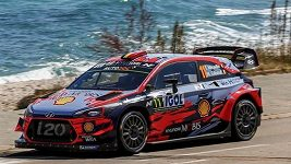 Belgičan Thierry Neuville vyhrál Francouzskou rallye