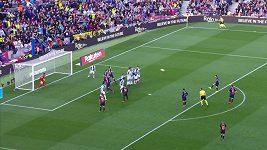 Lionel Messi byl u obou gólů Barcelony v derby s Espaňolem
