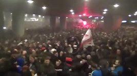 Fanoušci Ajaxu si v ulicích Turína užívají postup do semifinále Ligy mistrů.