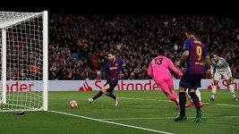 Sestřih úvodního semifinále Ligy mistrů Barcelona - Liverpool