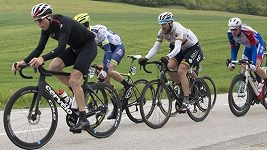 Švýcarský cyklista Stefan Küng zaskočil na závodě Kolem Romandie spurtéry a 2. etapu vyhrál po sólovém úniku