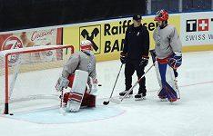 Hokejovou reprezentaci by mohl posílit brankář Pavel Francouz. Kdy přiletí Radek Faksa?