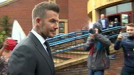 David Beckham odchází od soudu