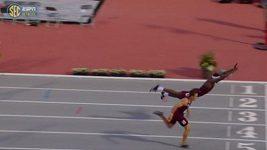 Supermanův skok v závěru atletického závodu