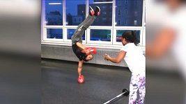 Uf! Atlet Christopher Joyce a jeho balanční schopnosti