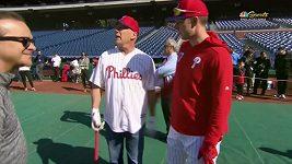 Bruce Willise na baseballu vybučeli