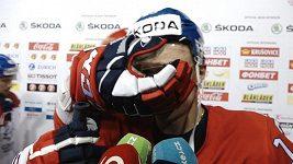 Jakub Vrána měl při rozhovoru v obličeji Ovečkinovu rukavici! Nezasloužili si vyhrát, zdaleka ne.