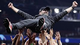 Svěřenci německého kouče Jürgena Kloppa slaví triumf v Lize mistrů.