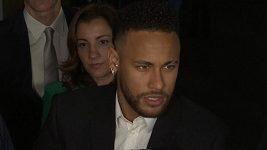 Neymar po výslechu na policii
