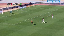 Kuriózní gól zambijského obránce