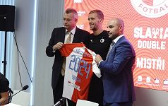 Slavia udržela Tomáše Součka. Opora sešívaných podepsala pětiletou smlouvu
