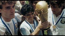 Český trailer k filmu Diego Maradona