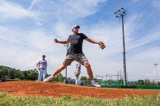 Filip Jícha jako baseballista. Jak rychlý má nadhoz?
