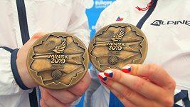 Medailisté z Evropských her ve sportovní střelbě Filip Nepejchal a Nikola Mazurová