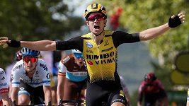 Wout van Aert oslavil při premiérovém startu na Tour de France etapové vítězství