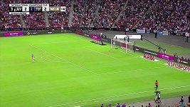 Fantastický gól Harryho Kanea z poloviny hřiště zajistil Tottenhamu vítězství v utkání s Juventusem