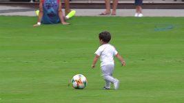 Na tréninku Bayernu se objevily i děti některých hvězd mnichovského celku