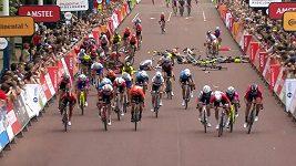 Cyklistika - sestřih finiše závodu RIDELONDON Classique.