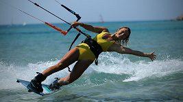 Tohle zvládne málokdo na světě, kiteboardistka Paula Novotná je jedinou Češkou ve Světovém poháru