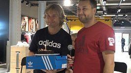 Pavel Nedvěd dostal v Praze dort. Jak moc ho mrzí, že v Lize mistrů nenarazí Juventus na Slavii?