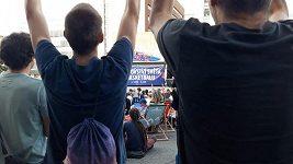 Čeští basketbalisté ve čtvrtfinále prohráli, pražská fanzóna MS jim ale za jejich výkon tleskala