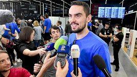 Čeští basketbalisté jsou doma z MS. Z letiště zamířili na společnou večeři a oslavu