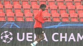 V suchu i v dešti trénovala Slavia před domácím utkáním Ligy mistrů s Dortmundem