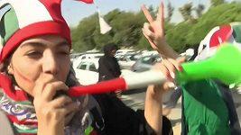 Fanynky v Íránu po desetiletích vyrazily na fotbal