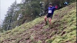 Extrémní běžecký závod na slavné hoře Hahnenkamm
