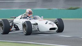 Max Verstappen si vyzkoušel formuli z roku 1965