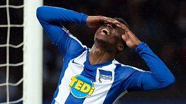 Totální selhání fotbalového útočníka Ebrimy Njieho