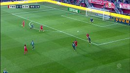 Šílený zkrat brankáře v nizozemské lize