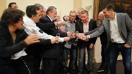 Křest hnihy fotbalisty Horsta Siegla s titulem Pozor, pálí Sigi